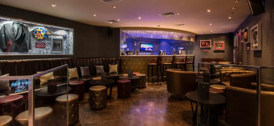 Hard Rock Cafe: Our lounge area + own bar