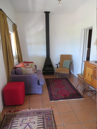 Weltevrede Jonkers Family Wine Farm : Lounge room with little fire place