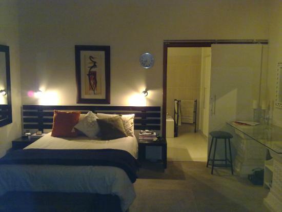Aloma House: Room 3