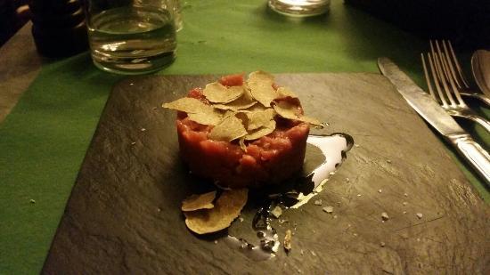 Scannabue Caffe Restaurant: Battuta di fassona con tartufo