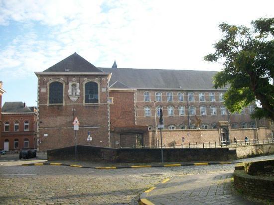Augustine Monastry: vous participerez à la restauration de ce monastère