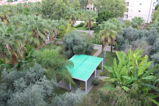 Atlantica Gardens Hotel: Вид с балкона