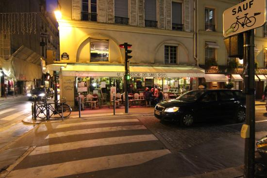 picture of le comptoir des saint peres paris tripadvisor. Black Bedroom Furniture Sets. Home Design Ideas