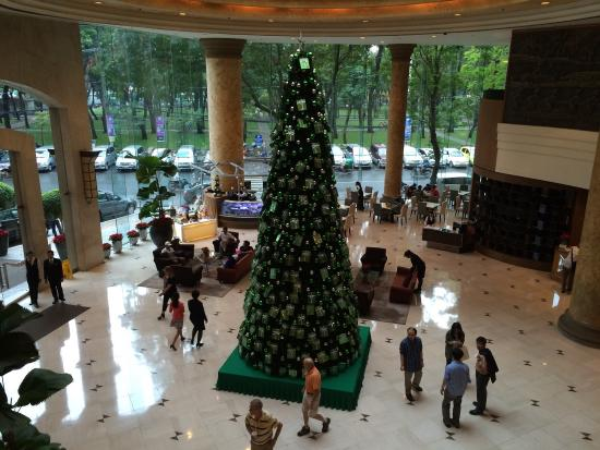 new world saigon hotel christmas decorations go up