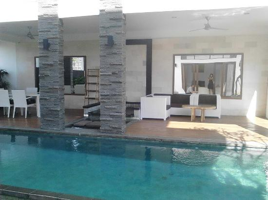 Villa Club B Residence
