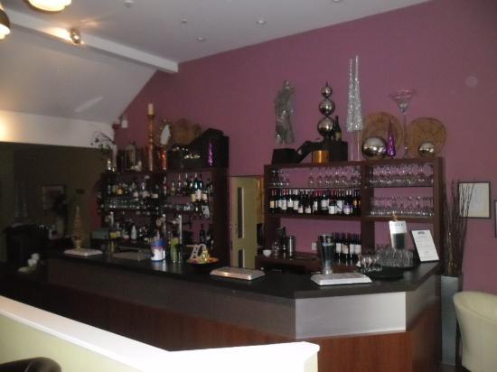 Woodcote Hotel: Bar area