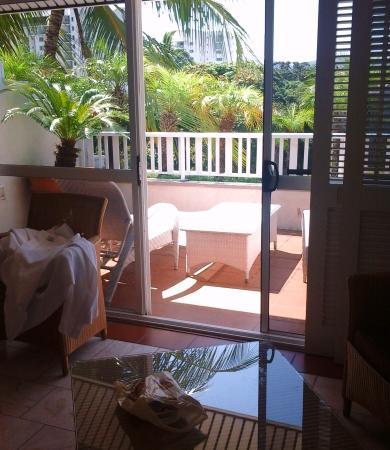 ذا هوتل كارينز: Balcony on 4th floor