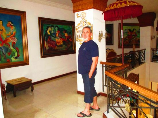 The Mansion Resort Hotel & Spa: One Art Gallery within the Hotel