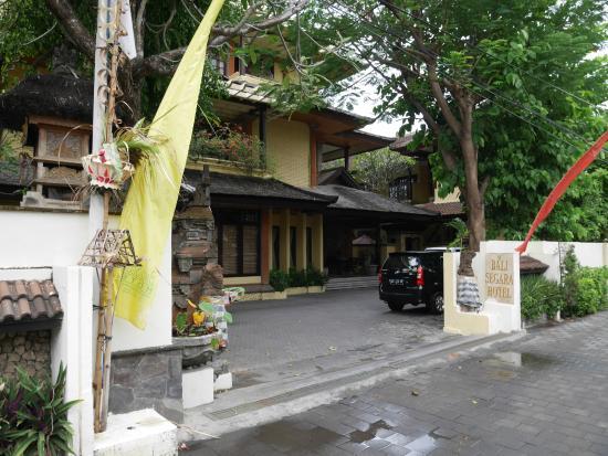 Bali Segara Hotel: Hotel Entrance