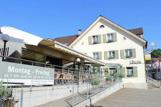 Ebnat-Kappel, Schweiz: Restaurant mit Sonnenterrasse