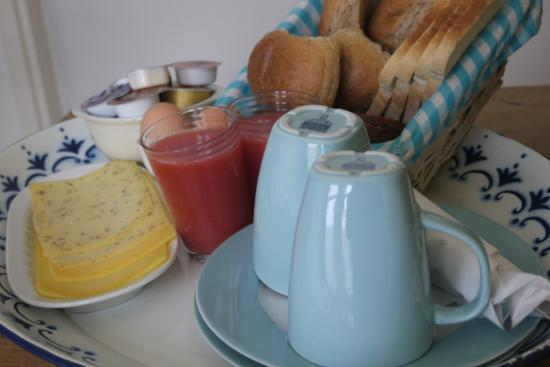 Waterfront Bed and Breakfast: Un petit déjeuner