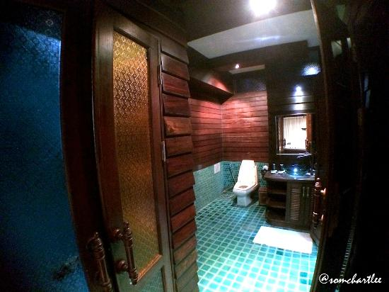 Singha Montra Lanna Boutique Style: Bathroom Area