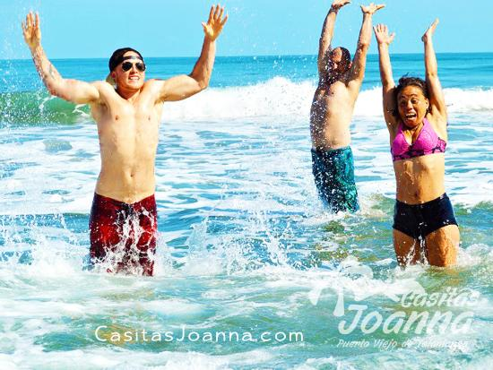 Casitas Joanna: Having Fun at Playa Negra
