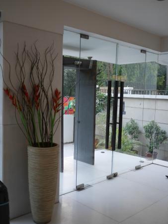Treebo Amber : Nice lobby entrance