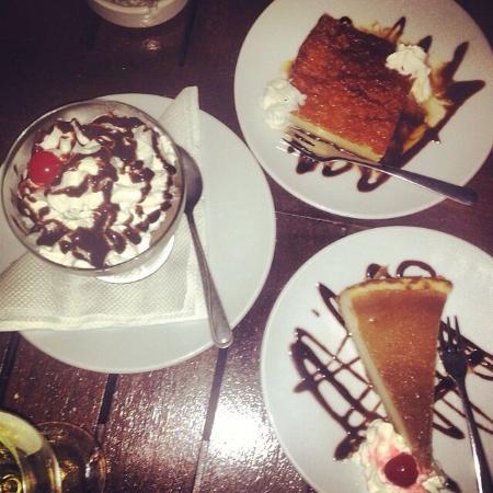 Flavors Restaurant: Great desert at Moments