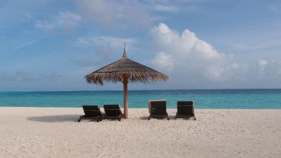 Constance Moofushi: Beach before senior water villas