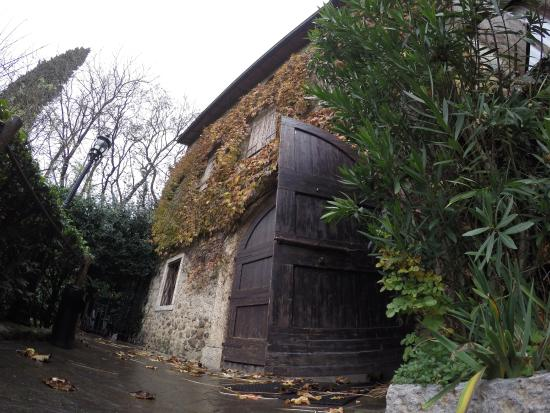 Antico Casale Tre Camini: lato esterno