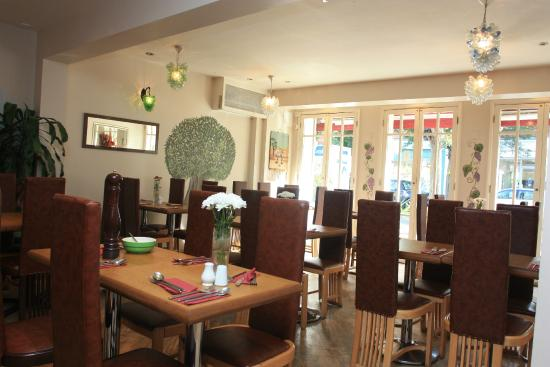 Organic Pizza House: interior of the restaurant