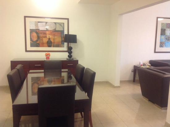 Ramada Hotel & Suites Sharjah : Dining Room in 2-bedroom suite #205