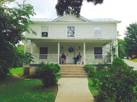 Schuyler, Wirginia: The House