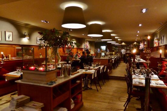 Brasserie Raymond: Bistro-Einrichtung