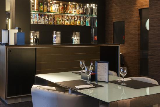 AC Hotel Gijón: Bar