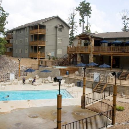 Los Lagos at Hot Springs Village: Exterior
