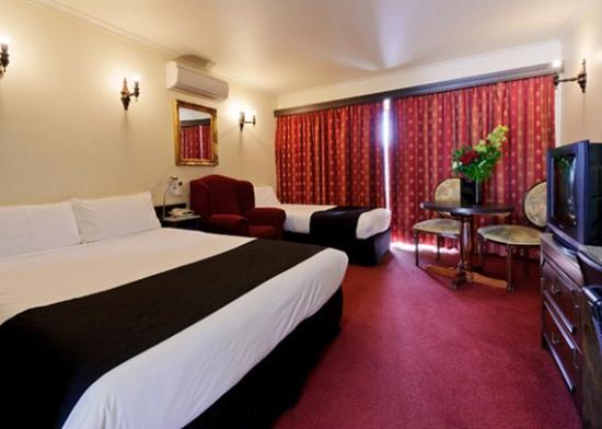 Quality Hotel Colonial Launceston: Guest Room (OpenTravel Alliance - Guest room)