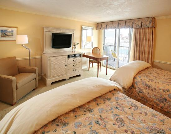 Anchor In Hotel: Deluxe Guest Room Two Queen Beds