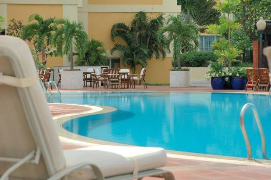 New World Saigon Hotel: Swimming Pool