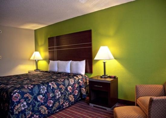 Photo of Econo Lodge Inn & Suites Alexandria