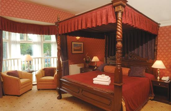 The Jacobean Hotel: Fourposter Room