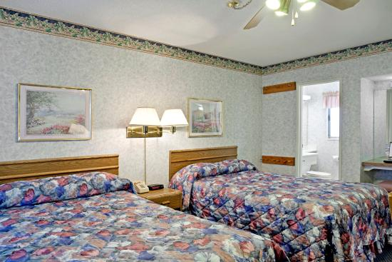 Americas Best Value Inn-Tahoe City/Lake Tahoe: 2 Double Beds Room
