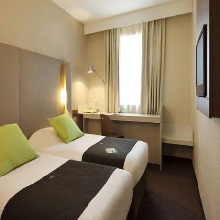 campanile perpignan nord rivesaltes hotel france voir les tarifs et 138 avis. Black Bedroom Furniture Sets. Home Design Ideas