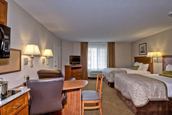 Candlewood Suites Burlington: Standard 2 Queen bed Suite
