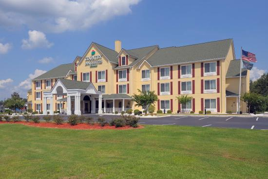 Photo of Country Inn & Suites Savannah I-95 North Port Wentworth