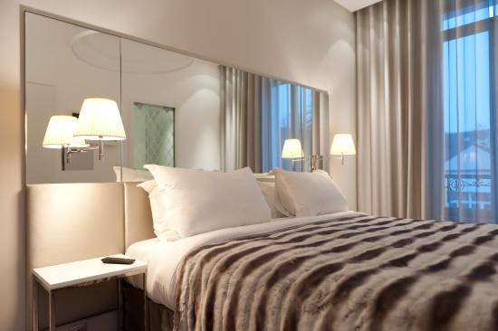 Le Cesar Hotel : Guest Room