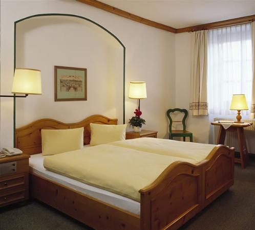Photo of Hotel Weisses Kreuz Innsbruck