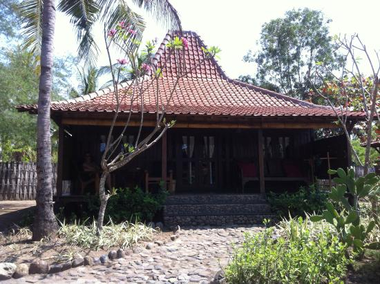 Desa Dunia Beda Beach Resort: Chambre N°4