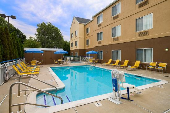 Fairfield Inn Amp Suites Allentown Bethlehem Lehigh Valley