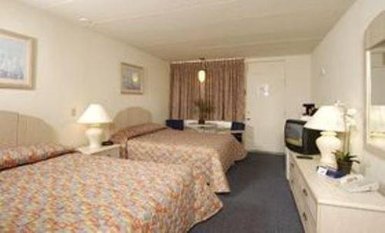 Daytona Inn: Guest Room