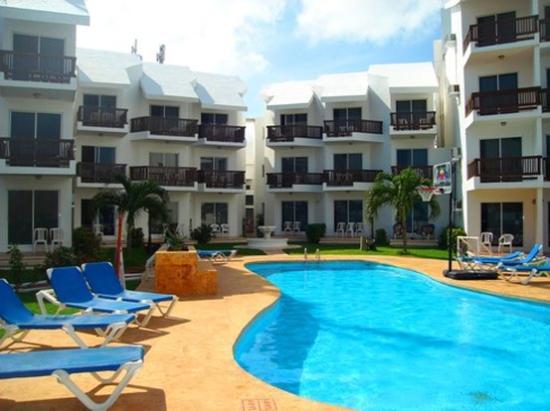 Las Perlas Condos: balcony pool and ocean view hotel Las Perlas cancu