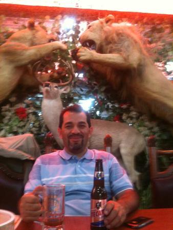 El rey del cabrito: disfrutando del ambiente y la comida
