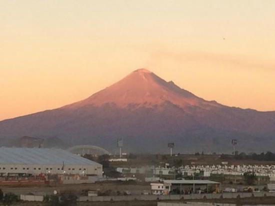 Hotel One Puebla FINSA: Volcán Popocatepetl