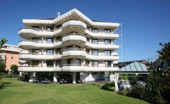 Photo of Hotel Apartamentos Rhin Victoria Santander
