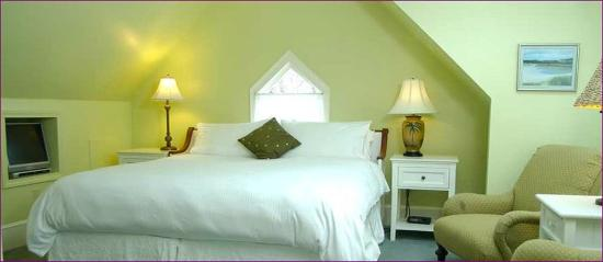 Belfry Inn and Bistro: BEDROOM