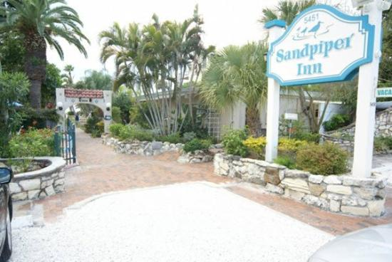 Sandpiper Inn: Exterior (OpenTravel Alliance - Exterior view)