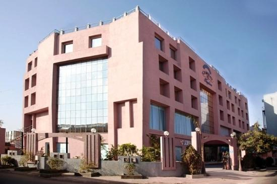 坎貝藍寶石酒店