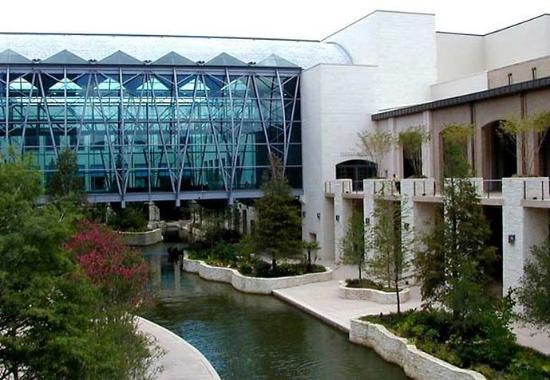 Best Hotel Location On Riverwalk San Antonio