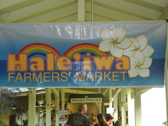 Hale'iwa Farmers' Market: Nice to stop by for a bite to eat.